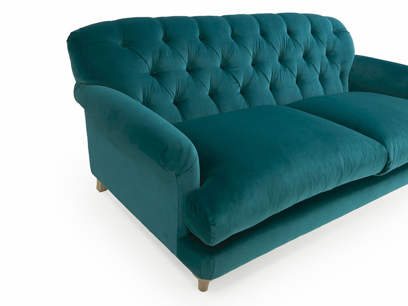 Truffle button back sofa