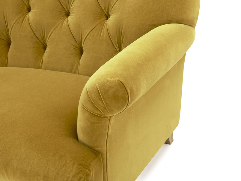 Truffle buttoned armchair
