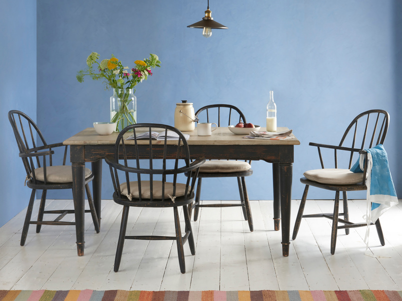 Expandable and extending Toaster dining table