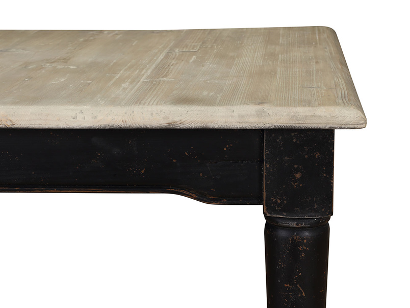 Extendable and expandable farmhouse dining table