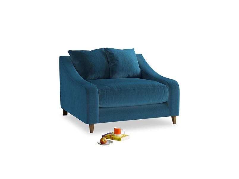 Oscar Love seat in Twilight blue Clever Deep Velvet