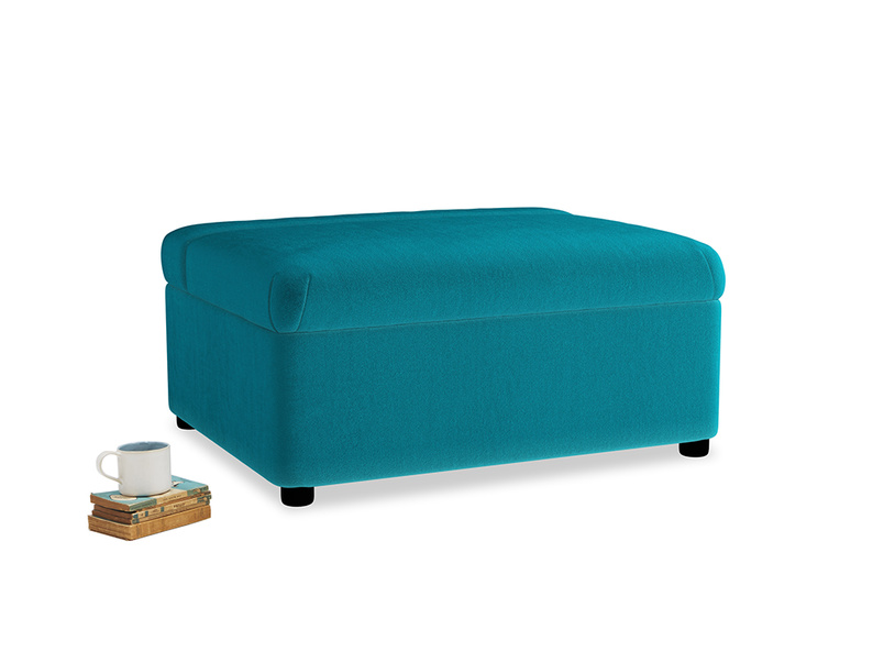 Single Bed in a Bun in Pacific Clever Velvet