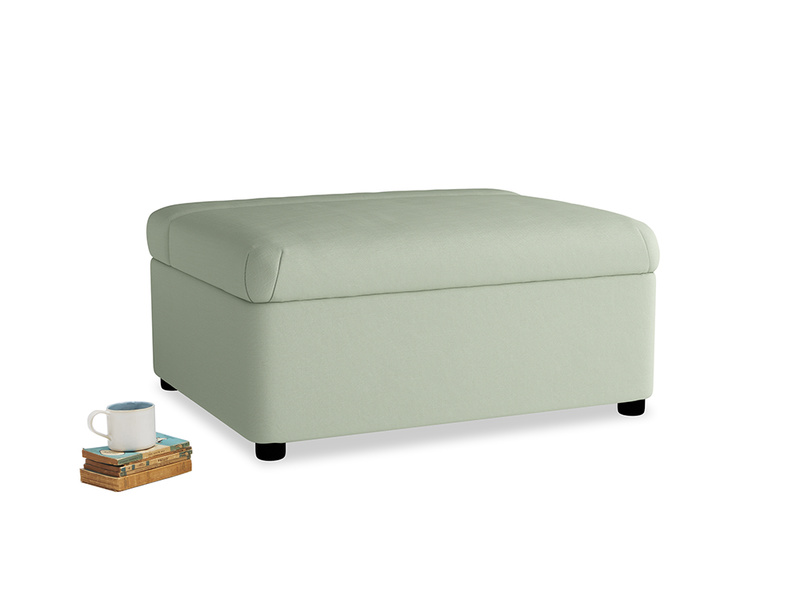 Single Bed in a Bun in Powder green Clever Linen