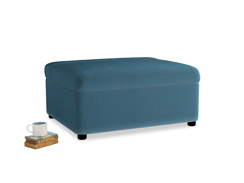 Single Bed in a Bun in Old blue Clever Deep Velvet
