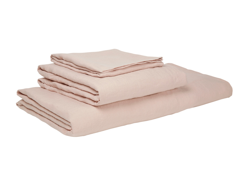 Double Lazy Linen duvet covers in Dusty Pink