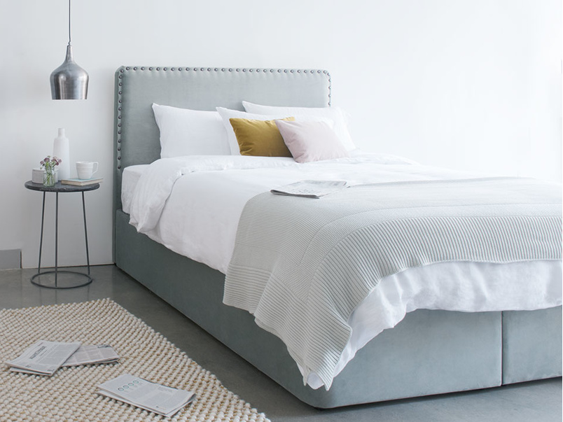 Store storage bed base