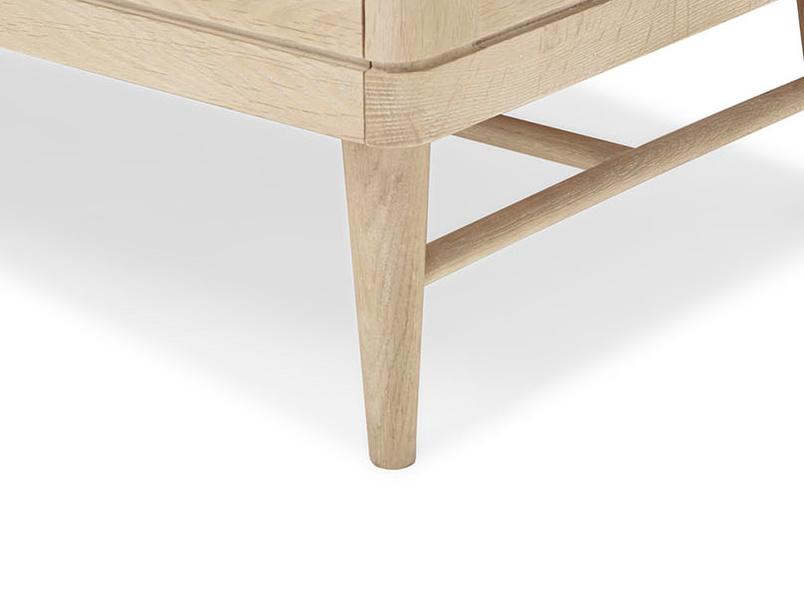 Big Bubba blonde oak wood modular shelves leg detail