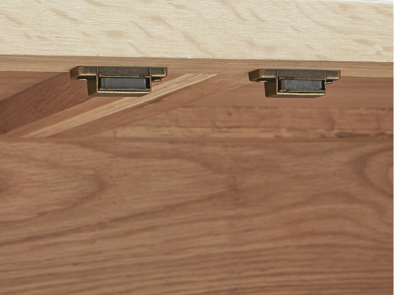 Grand Bubba wooden sideboard inside detail