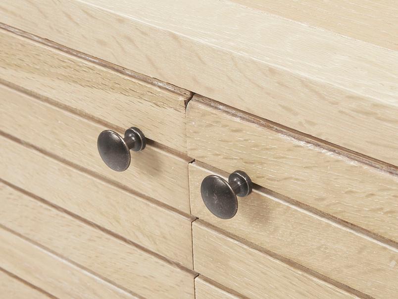 Grand Bubba wooden oak sideboard handle detail