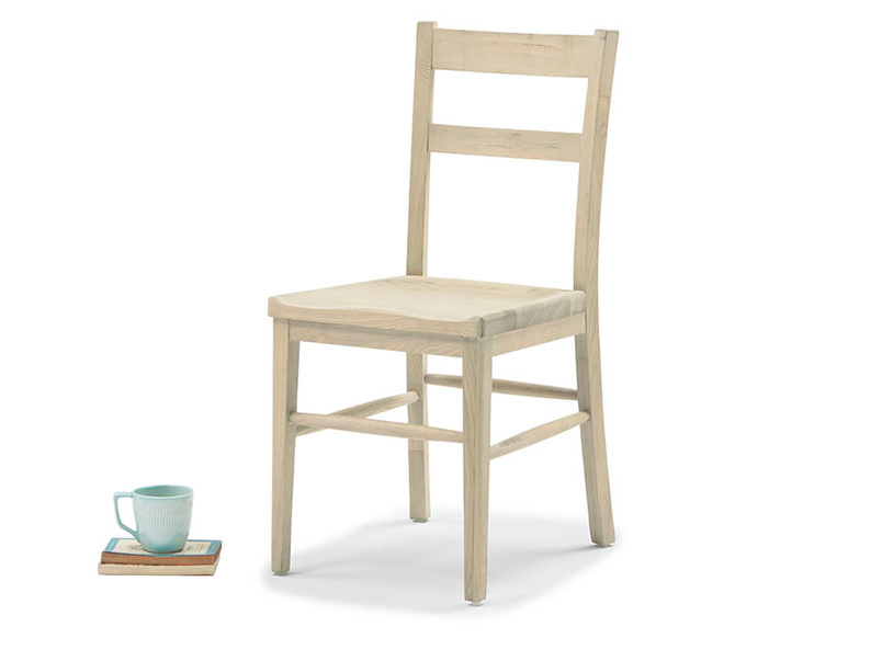Idler wood dining chair in Natural finish