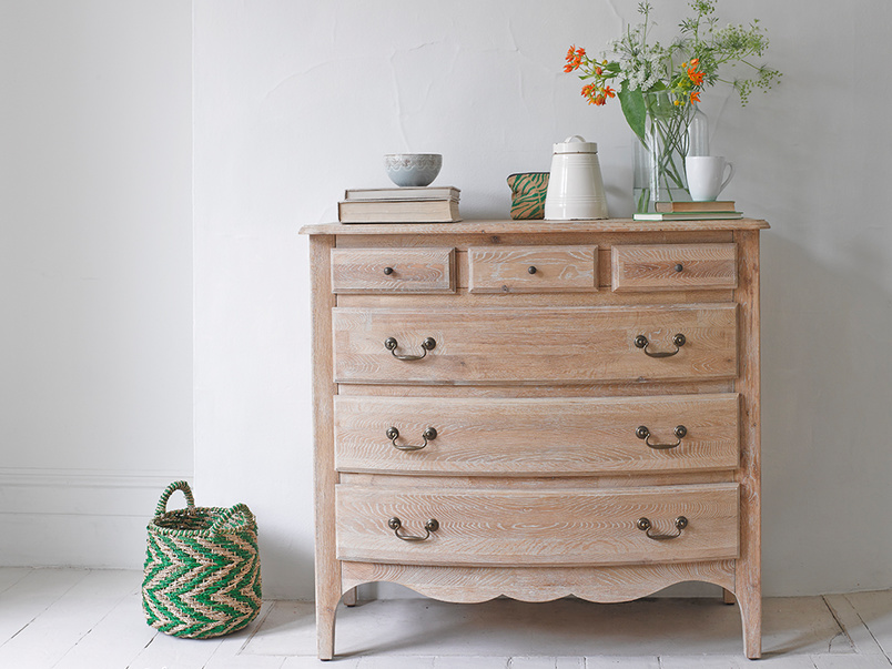 Vintage French style Audrie oak bedroom chest of drawers