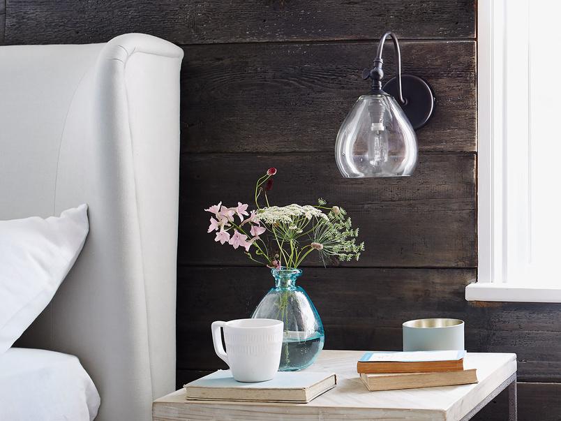 Raindrop glass wall light