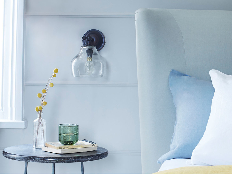 Cowbell glass wall lamp