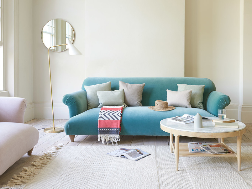 Souffle comfy upholstered modern sofa