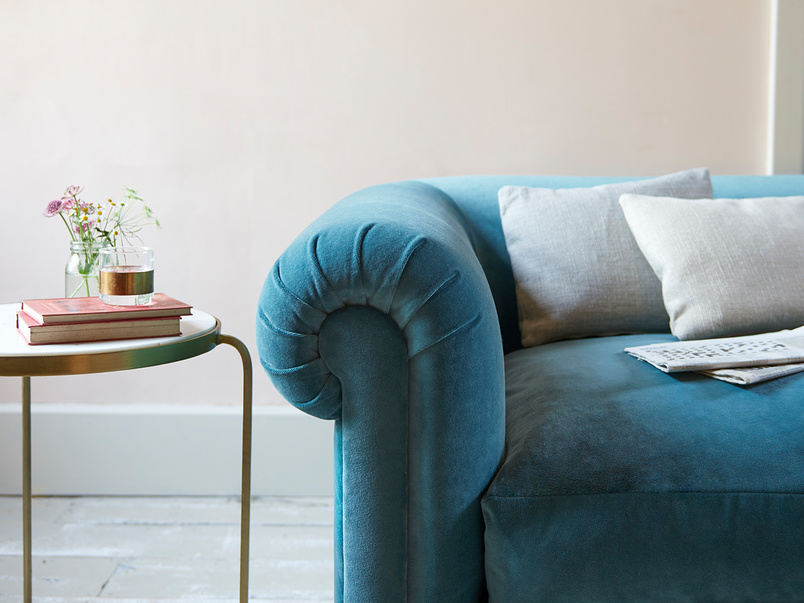 Humblebum single seat roll arm sofa