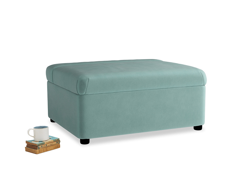 Single Bed in a Bun in Greeny Blue Clever Deep Velvet