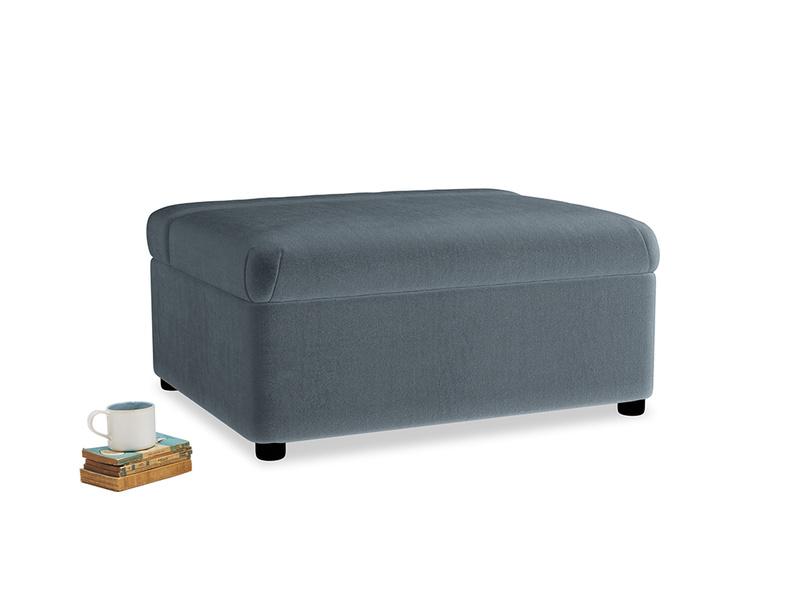 Single Bed in a Bun in Odyssey Clever Deep Velvet