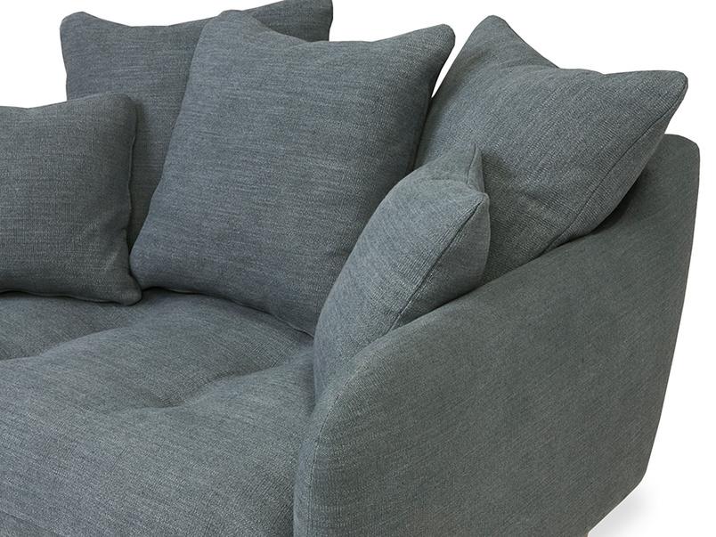 Skinny Minny comfy love seat corner detail