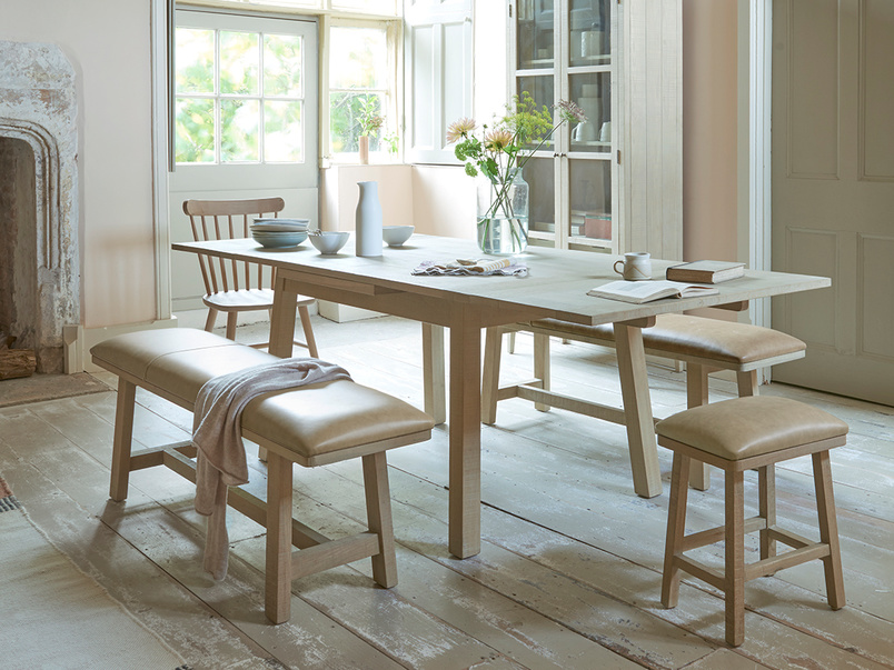 Country Mile extendable kitchen table