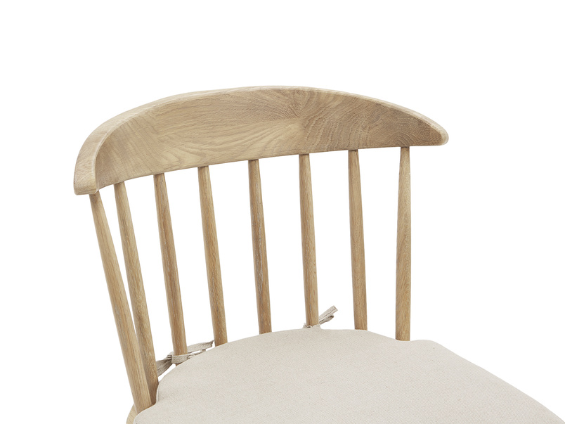 Drummer oak kitchen chair low back detail