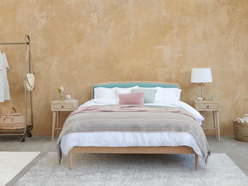 Smoothie Light Oak Bed