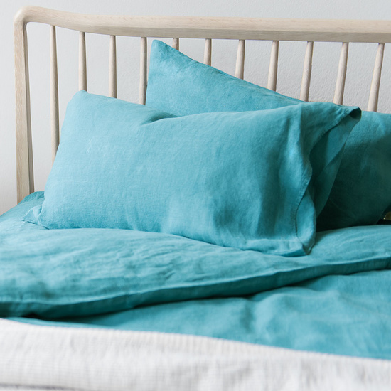 Lazy Linen bed line in Kingfisher Teal