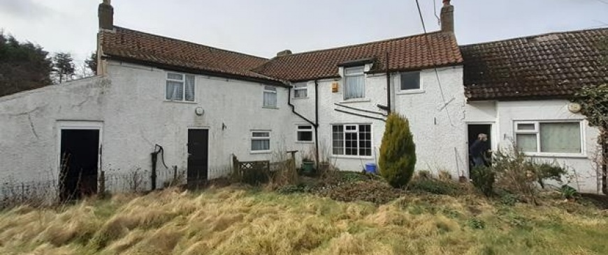 Yorkshire coastal farmhouse goes up for auction with £160,000 price tag