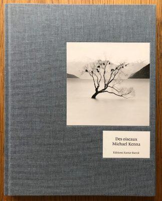 The photography book cover of Des Oiseaux by Michael Kenna
