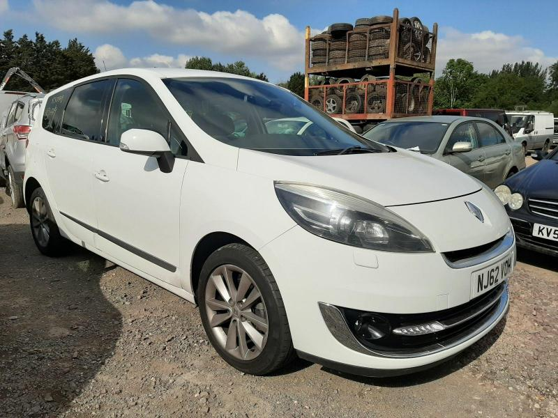 2012 RENAULT SCENIC GR DYNAMIQUE TOMTOM LUXE ENERG 1598cc Turbo Diesel Manual 6 Speed MPV (MULTI-PURPOSE VEHICLE)