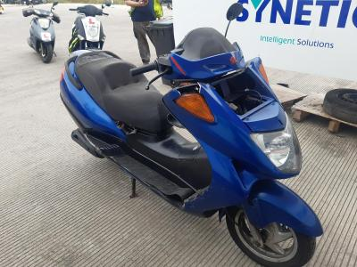 Image of 2001 HONDA FES 250 249cc SCOOTER