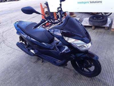 Image of 2016 HONDA PCX 125 EX2-F 125cc SCOOTER
