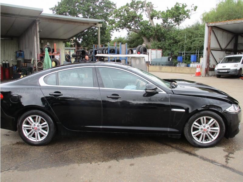 2014 Jaguar Xf D Luxury 2179cc Turbo Diesel Automatic 8 Speed 8 Saloon