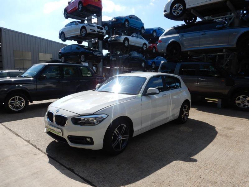 2015 BMW 1 Series 118i Sport 1499cc Turbo Petrol Manual 6 Speed 5 Door Hatchback