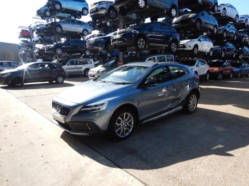 2018 Volvo V40 Cross Country Pro T3 1498cc Turbo Petrol Automatic 6 Speed 5 Door Hatchback