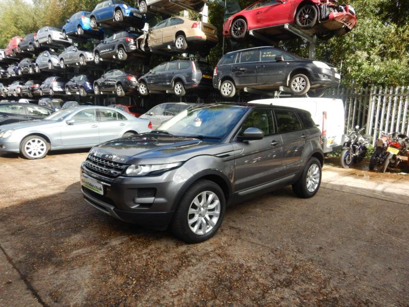2015 Land Rover Range Rover Pure Tech SD4 4WD 2179cc Turbo Diesel Automatic 9 Speed 5 Door Estate