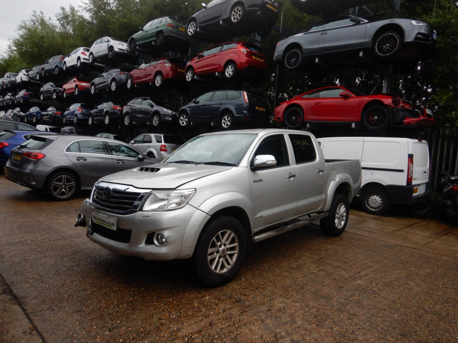 2014 Toyota Hilux Invincible Double Cab D-4D 2982cc Turbo Diesel Automatic 5 Speed Pick-Up