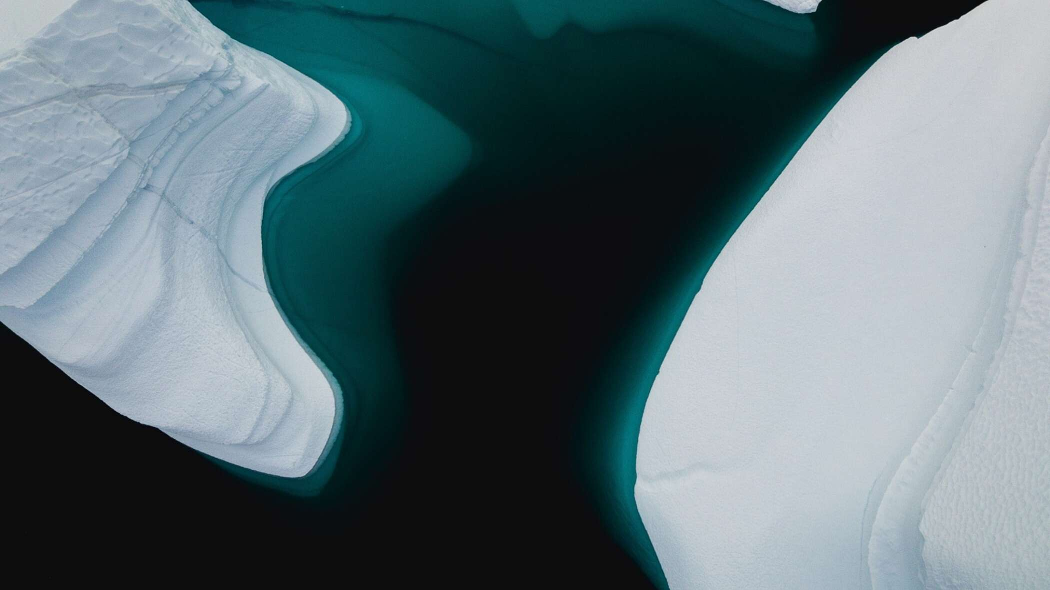 Icebergs from above