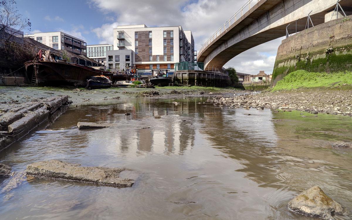 trent river began seeping - 1200×750