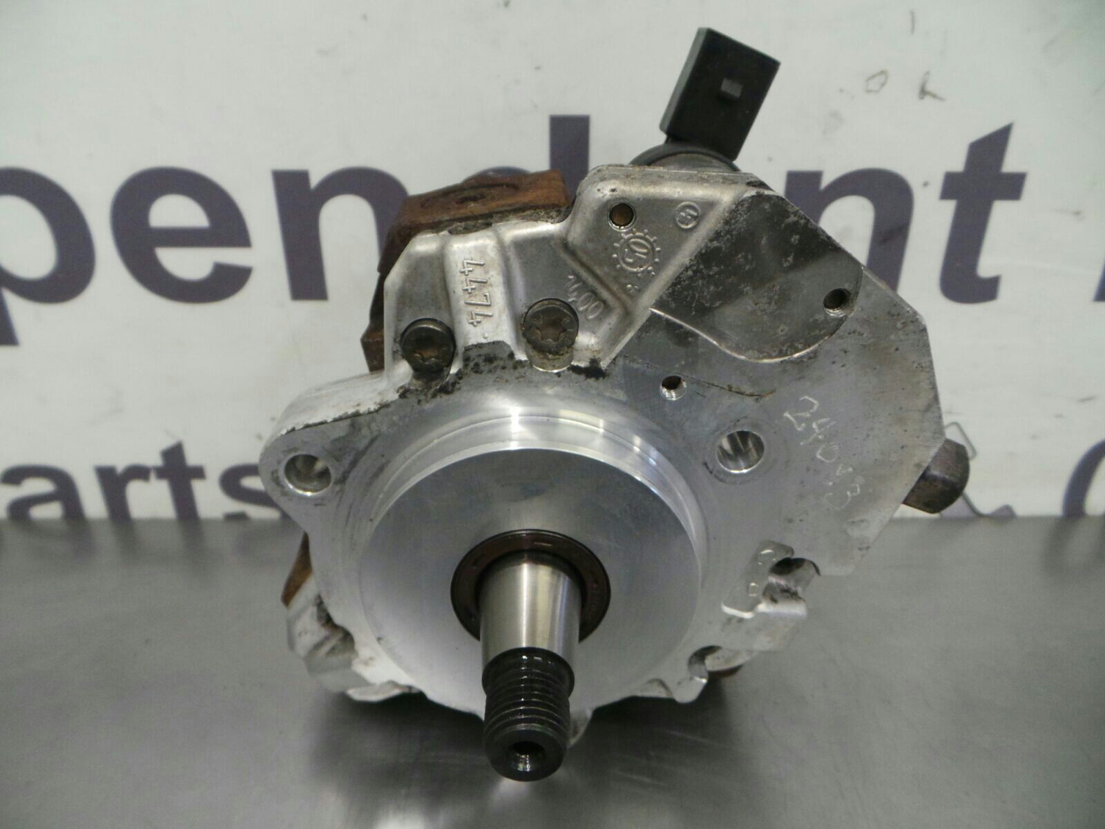 Bmw E90 3 Series High Pressure Fuel Pump 13518511824 Breaking For