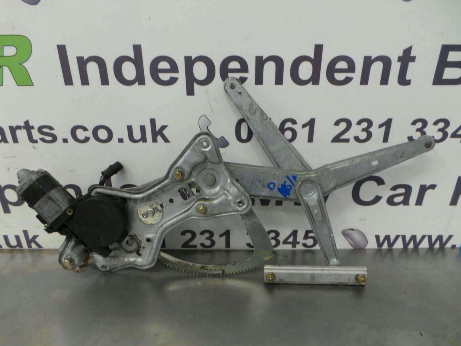 BMW E30 3 SERIES O/S/F Window Lifter/Mechanism 51321965078