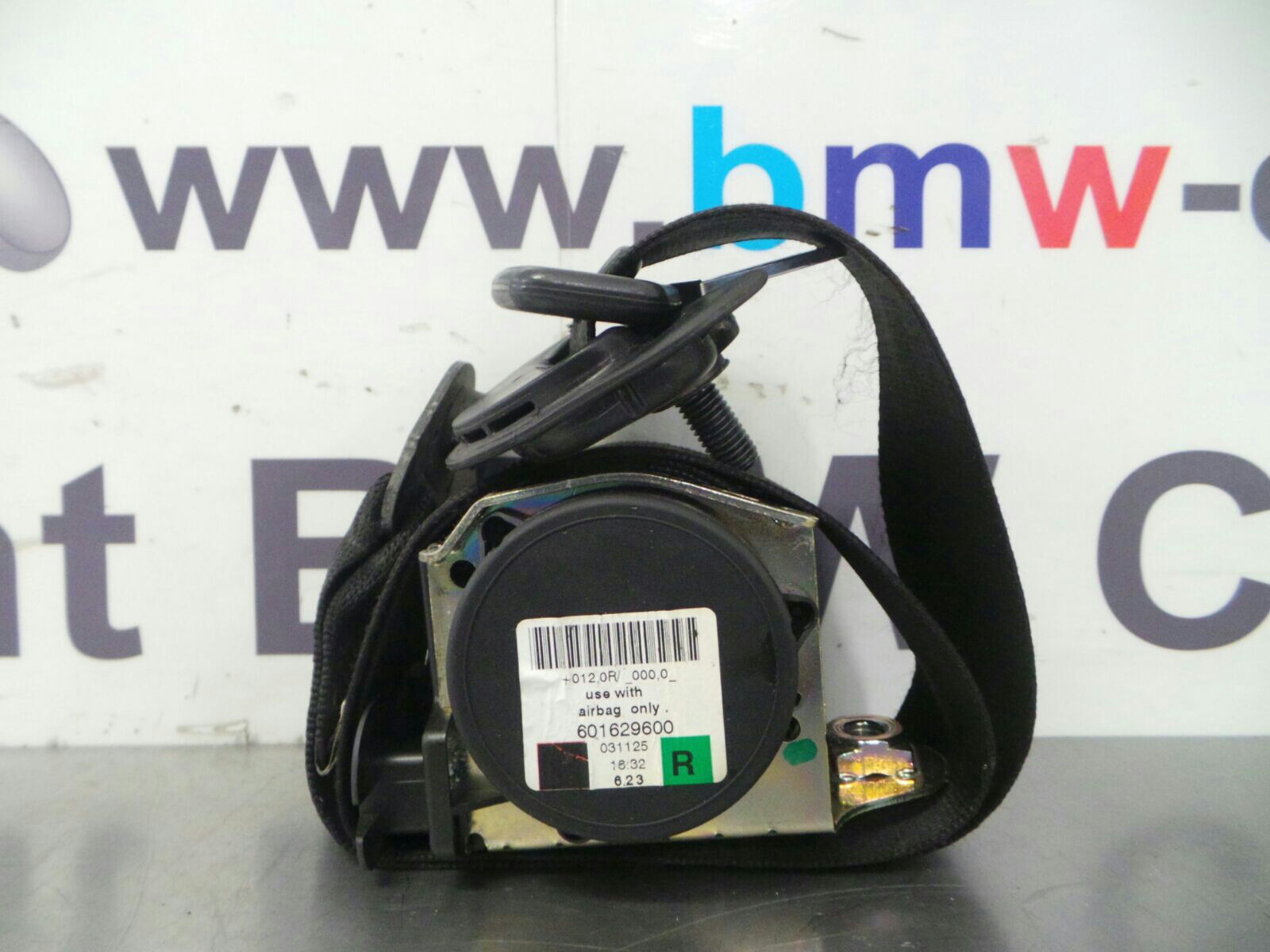 BMW E60 5 SERIES  O/S/F Seat Belt 72119110046