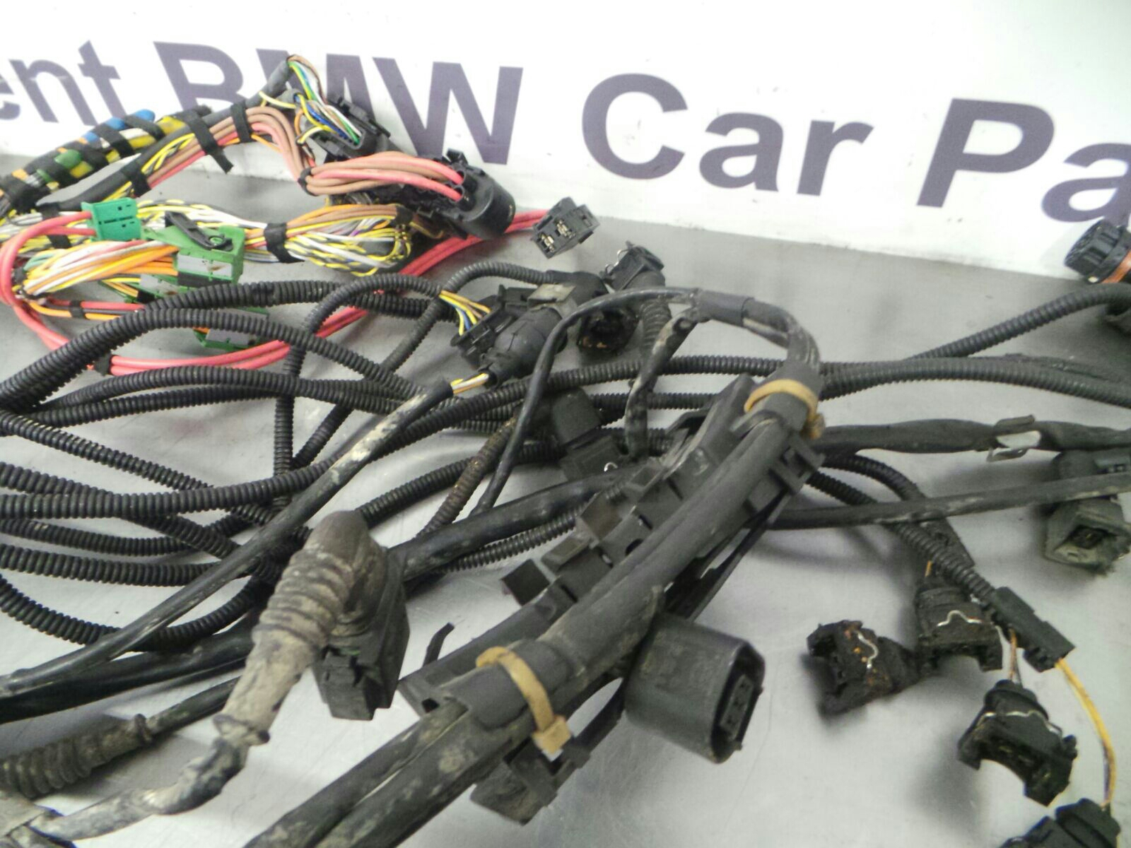 Bmw E66 7 Series Automatic Engine Wiring Loom 12517540846 Breaking