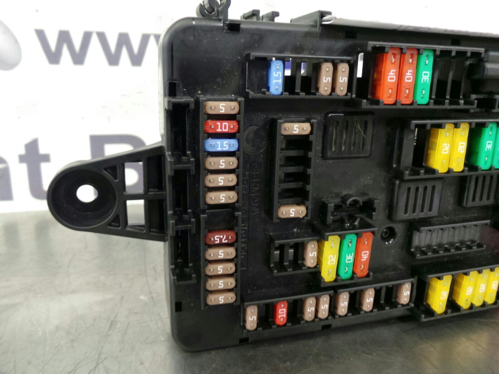 Bmw 1 Series F20 Fuse Box 9259466 9389070 Breaking For Used And