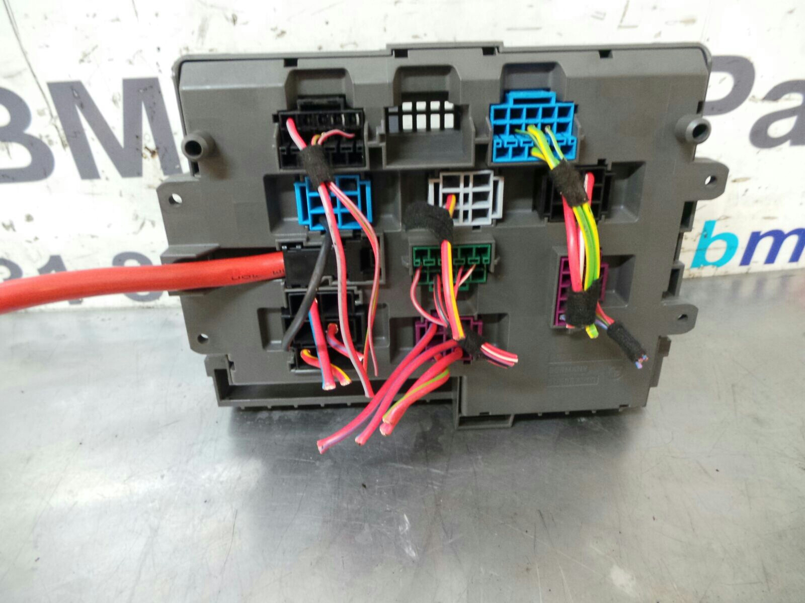 BMW E88 1 SERIES Fuse Box 9119445/9119446