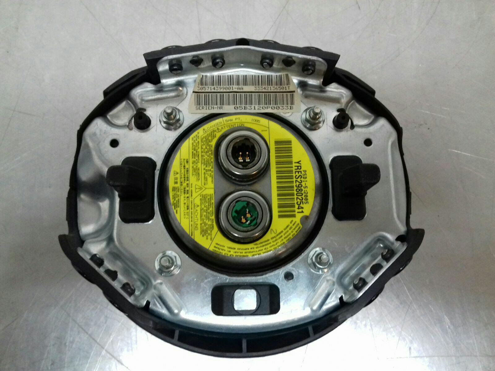 BMW X3 E83 Drivers Steering Wheel Airbag 32303438649