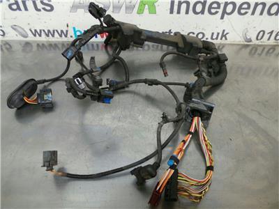 BMW E90 3 SERIES  Engine Wiring Loom 12517564402