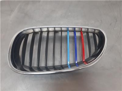 BMW E60 5 SERIES N/S Kidney Grille 51137065702