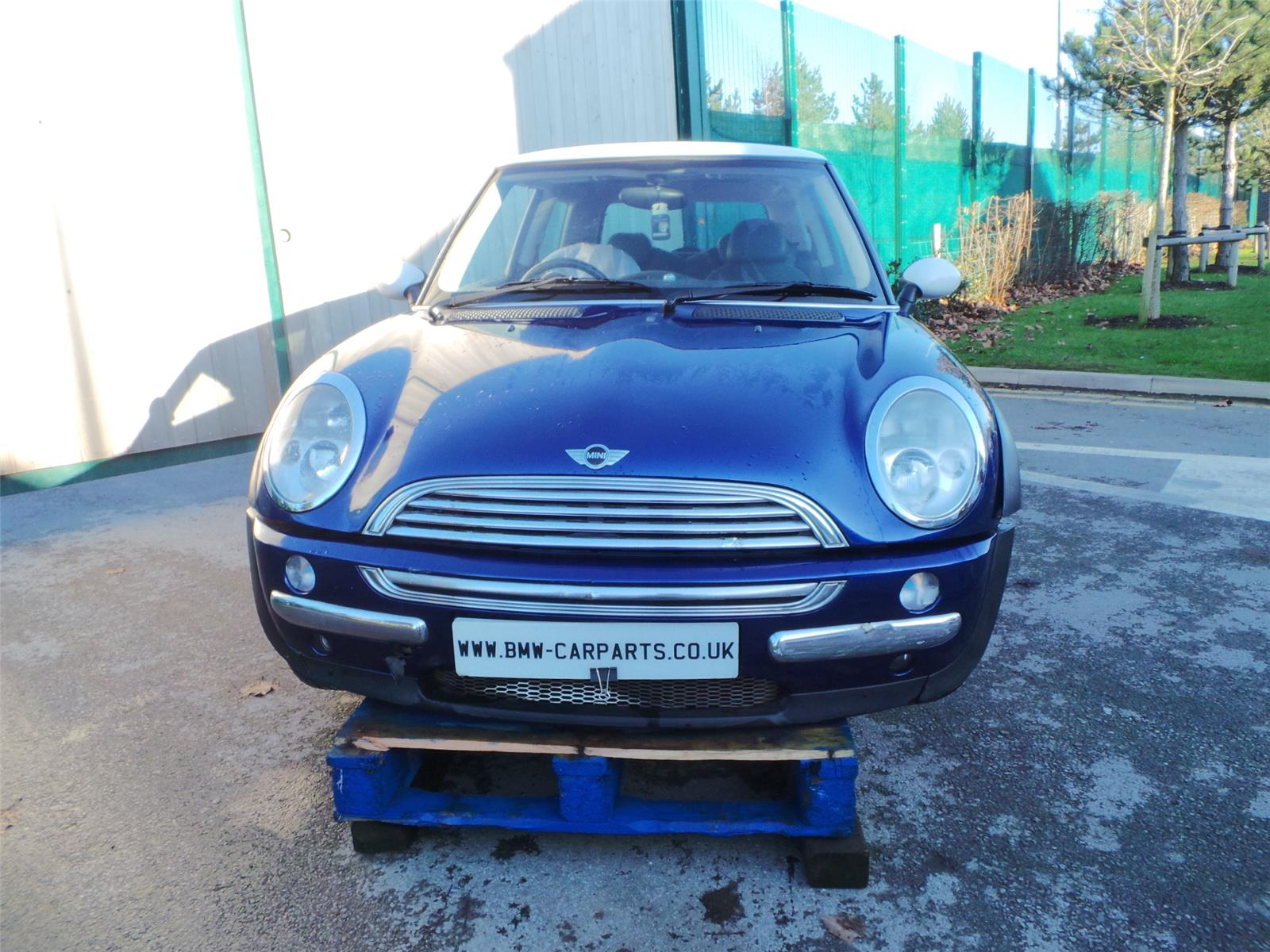 2002 mini r50 cooper 3 door hatchback petrol manual breaking for used and spare parts from. Black Bedroom Furniture Sets. Home Design Ideas