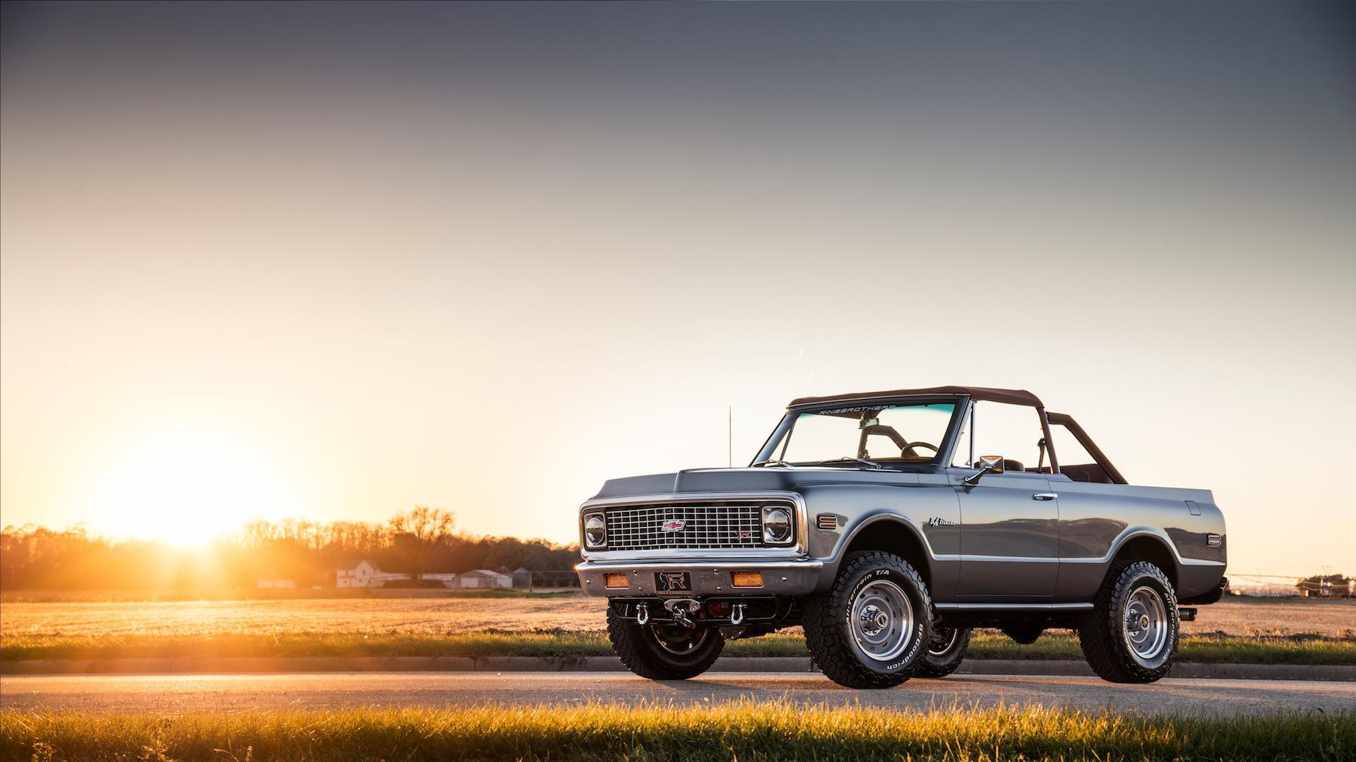 Custom Chevrolet K5 Blazer stuns SEMA