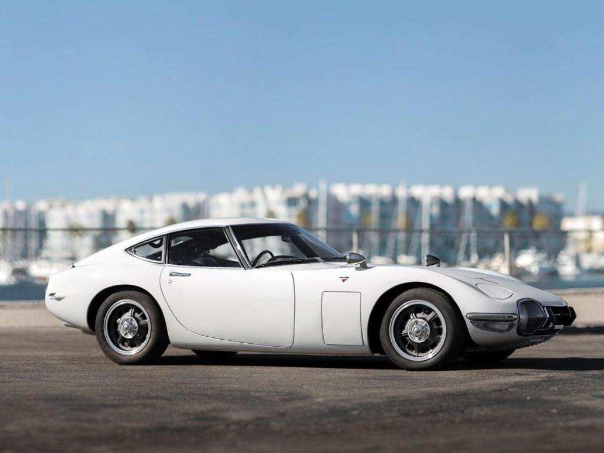 Stunning Toyota 2000GT heads to auction